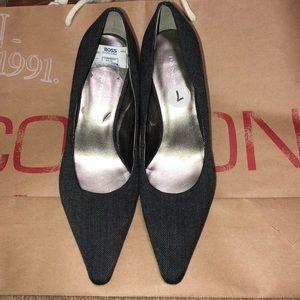 Bandolino Gray tweed pointy heels 7